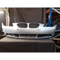 BMW 5 SERIES E60 SE FRONT BUMPER *WITH GRILLS*